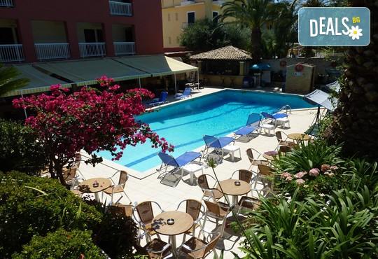 Oasis Hotel 3* - снимка - 16