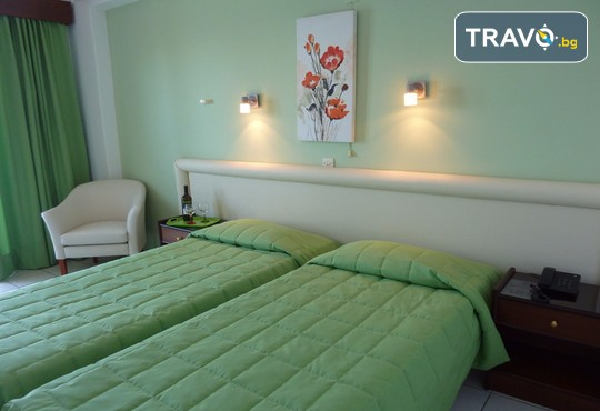 Oasis Hotel 3* - снимка - 2