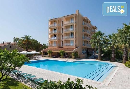 Sunset Hotel 3* - снимка - 1