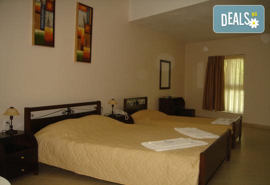 Avra Beach Hotel 2* - снимка - 3