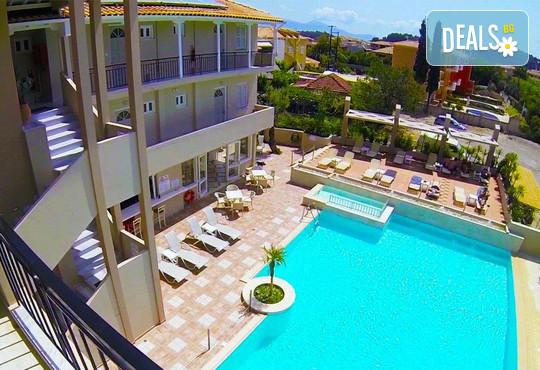Happyland Hotel Apartments 2* - снимка - 2