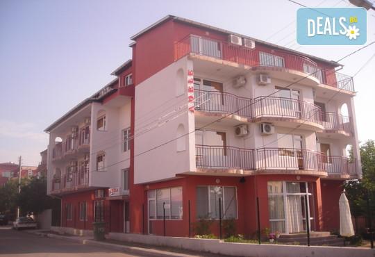 Семеен хотел Адел - снимка - 2