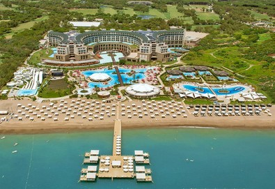 Самолетна почивка в Турция! 4 нощувки на човек на база All inclusive в Kaya Palazzo Golf Resort 5*, Белек, Турска ривиера с двупосочен чартърен полет от София - Снимка