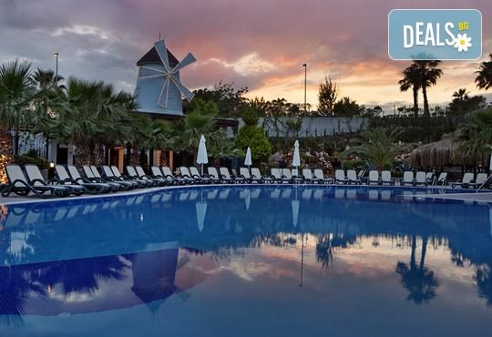 Alba Royal Hotel 5* - снимка - 36