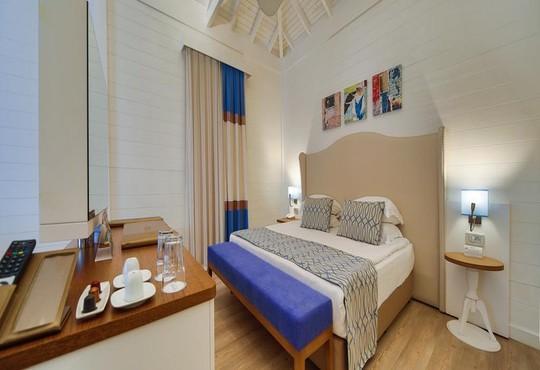 Nirvana Lagoon Villas Suites & Spa 5* - снимка - 13