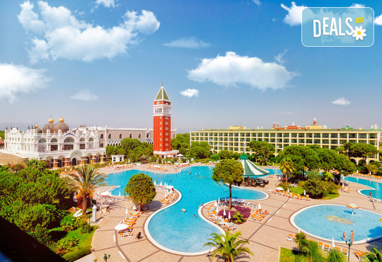 Venezia Palace Deluxe Resort 5* - снимка - 1