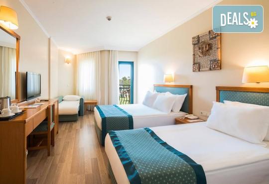 Miramare Queen Hotel 4* - снимка - 6