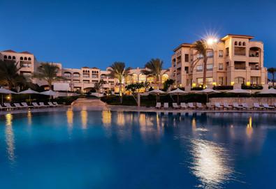 Самолетна почивка в Египет! 7 нощувки на човек на база All inclusive в Cleopatra Luxury Resort Makadi Bay 5*, Хургада, Червено Море с двупосочен чартърен полет от София - Снимка