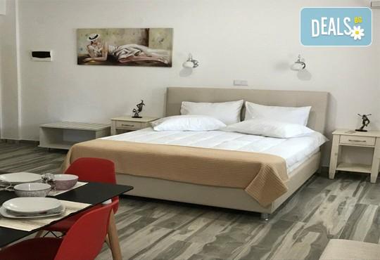 Stratos Deluxe Apartments - снимка - 4