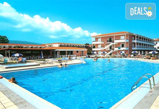 Astir Beach Hotel 3* - снимка - 1
