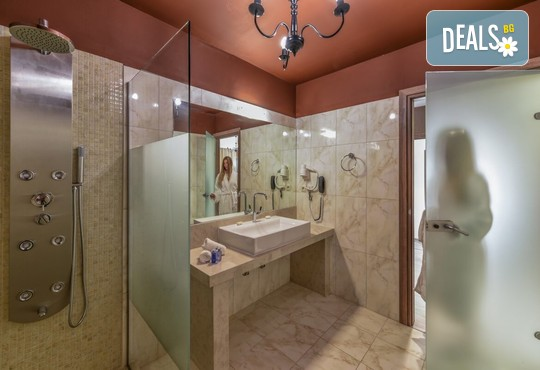 Elegance Luxury Executive Suites 5* - снимка - 9