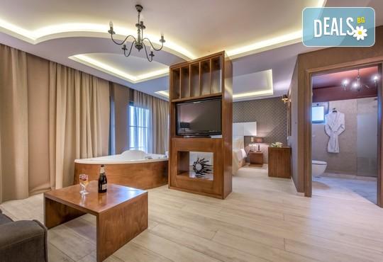Elegance Luxury Executive Suites 5* - снимка - 7