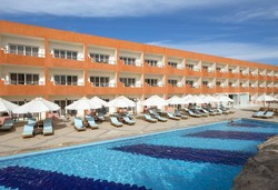 Самолетна почивка в Египет! 6 нощувки на човек на база All inclusive в Amwaj Oyoun Resort & Casino 5*, Шарм Ел Шейх, Червено Море с двупосочен чартърен полет от София - Снимка