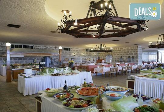 Athos Palace Hotel 4* - снимка - 21