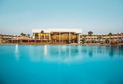 Самолетна почивка в Египет! 6 нощувки на човек на база All inclusive в Pyramisa Beach Resort Sharm El Sheikh 5*, Шарм Ел Шейх, Червено Море с двупосочен чартърен полет от София - Снимка