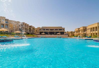 Самолетна почивка в Египет! 6 нощувки на човек на база Ultra all inclusive в Rixos Seagate Sharm 5*, Шарм Ел Шейх, Червено Море с двупосочен чартърен полет от София - Снимка