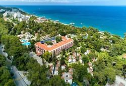 Самолетна почивка в Турция! 7 нощувки на човек на база All inclusive в Larissa Hotels Art Beach Hotel (ex. Majesty Club La Mer Art Hotel) 5*, Кемер, Турска ривиера с двупосочен чартърен полет от София - Снимка