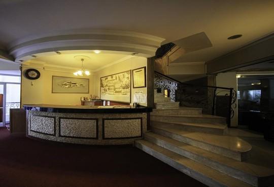 Armir Palace 4* - снимка - 1