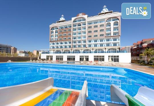 Azur Resort & Spa 5* - снимка - 1