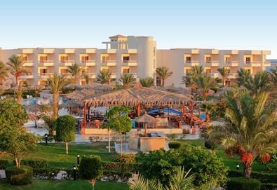 Самолетна почивка в Египет! 7 нощувки на човек на база All inclusive в Hilton Hurghada Long Beach Resort 5*, Хургада, Червено Море с двупосочен чартърен полет от София - Снимка