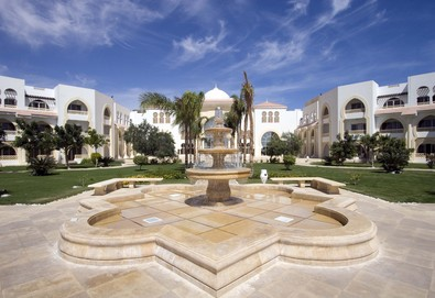 Самолетна почивка в Египет! 7 нощувки на човек на база All inclusive в Old Palace Resort 5*, Хургада, Червено Море с двупосочен чартърен полет от София - Снимка