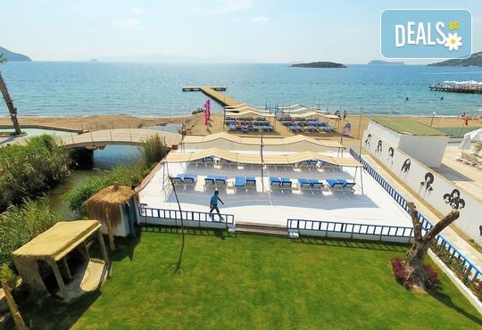 Tiana Beach Resort 3* - снимка - 14