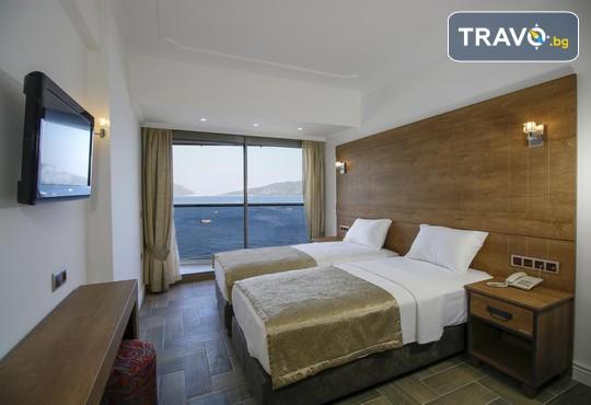 Aurasia Beach Hotel 3* - снимка - 17