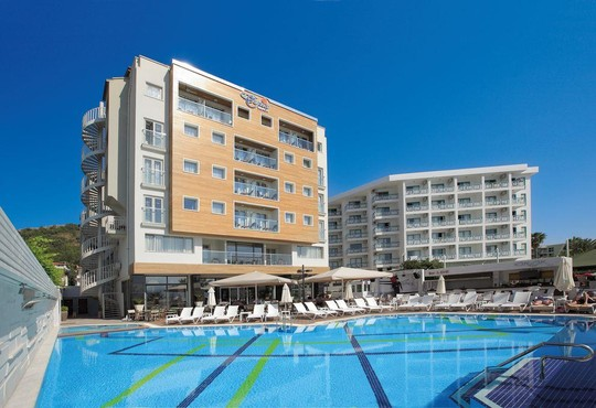 Cettia Beach Resort 4* - снимка - 1