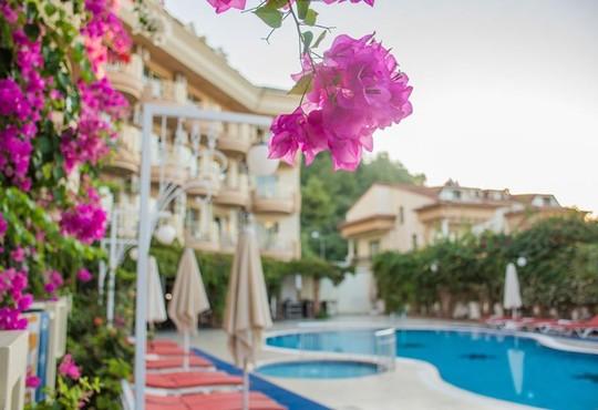 Grand Faros Hotel 3* - снимка - 5