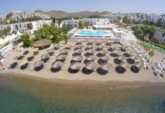 Charm Beach Hotel 4* - снимка - 1
