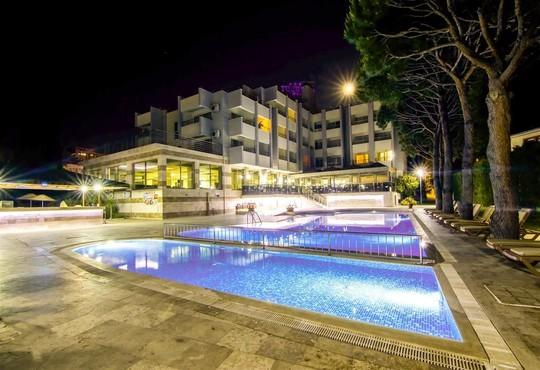 Akbulut Hotel - снимка - 1
