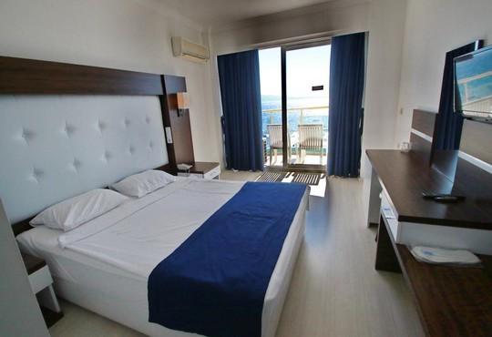 Arora Hotel  - снимка - 7