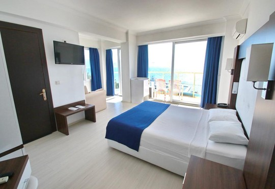 Arora Hotel  - снимка - 9