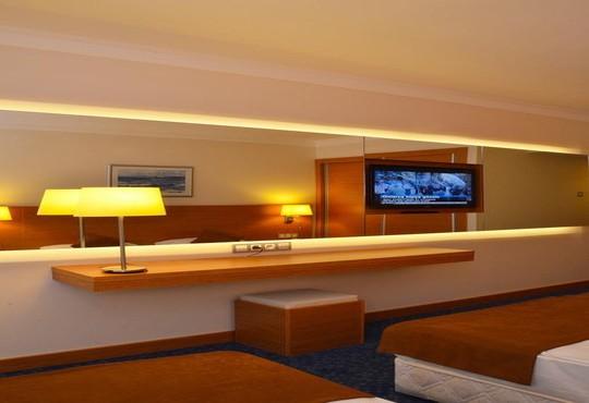 Club Hotel Grand Efe - снимка - 10