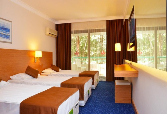 Club Hotel Grand Efe - снимка - 2