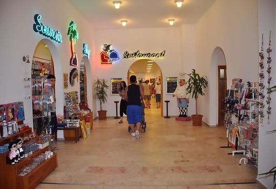 Club Hotel Grand Efe - снимка - 4