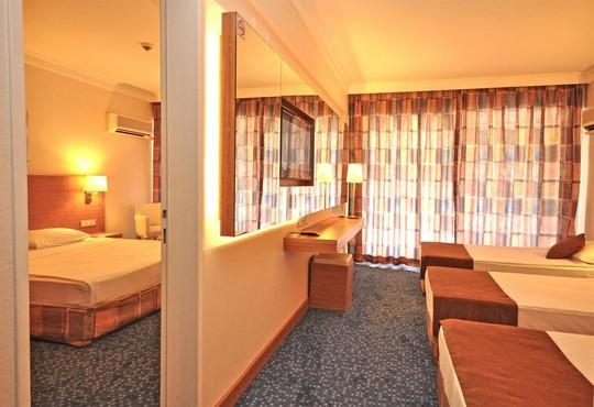 Club Hotel Grand Efe - снимка - 5