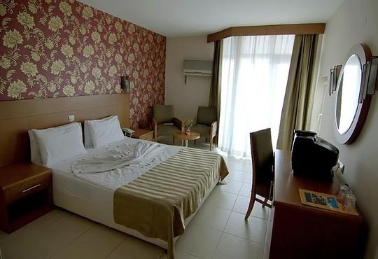 Surtel Hotel - снимка - 4