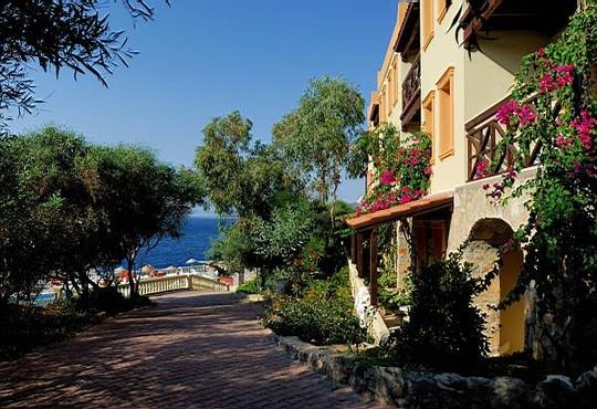 Green Beach Resort 5* - снимка - 6