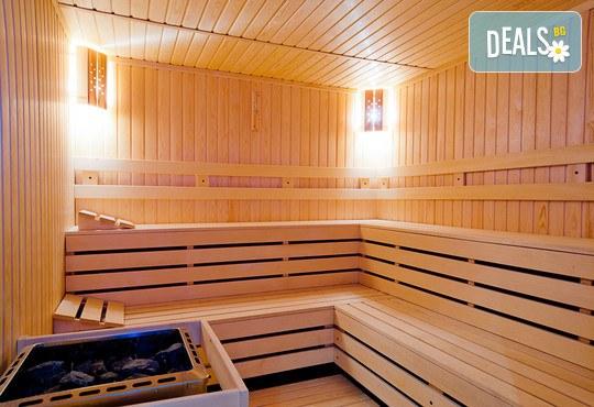12.10 - 31.11 в Бутиков хотел Корнелия 3*, Банско! Нощувка със закуска и вечеря, басейн
