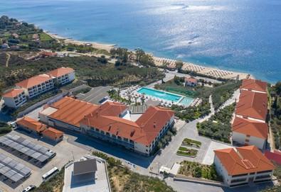 3+ нощувки на човек на база All inclusive в Akrathos Beach Hotel 4*, Уранополис, Халкидики, безплатно за деца до 1.99 г. - Снимка