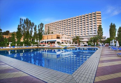 Нощувка на човек на база Закуска и вечеря в Pallini Beach Hotel 4*, Калитеа, Халкидики - Снимка