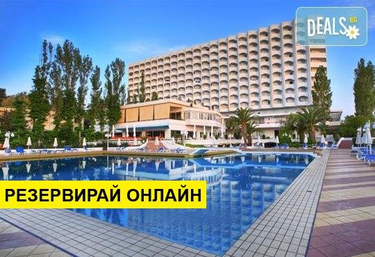 Нощувка на база BB,HB в Pallini Beach Hotel 4*, Калитеа, Халкидики