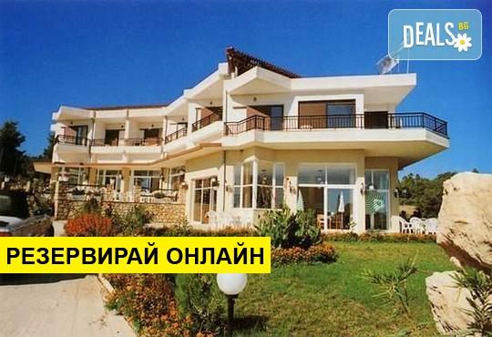 Нощувка на база BB,HB,AI в Pashos Hotel 3*, Криопиги, Халкидики