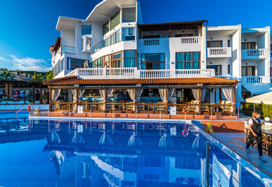 Нощувка на база HB,FB в Hotel Akti Ouranoupoli 4*, Уранополис, Халкидики