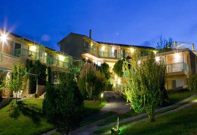 3+ нощувки на човек на база Закуска, Закуска и вечеря в Daphne Holiday Club 3*, Ханиоти, Халкидики - Снимка
