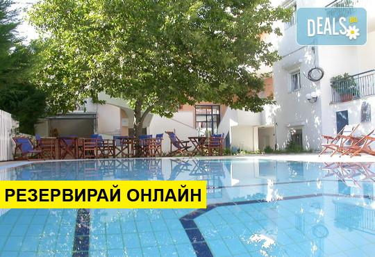 Нощувка на база Само стая,Закуска в Hotel Oceanis, Калитеа, Халкидики