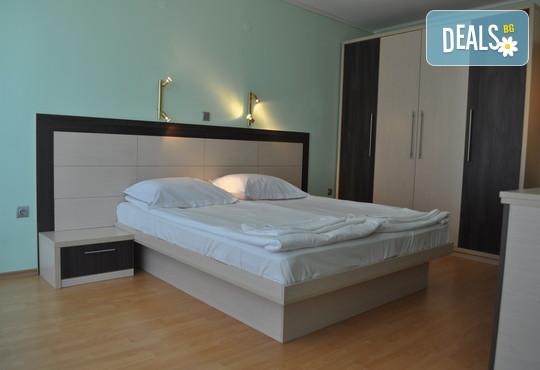 Късно лято в хотел Елири 3* гр.Несебър: 1 нощувка със закуска, безплатно за дете до 2.99г.
