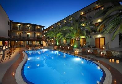 Нощувка на човек на база Закуска и вечеря, All inclusive в Hotel Simeon 3*, Метаморфоси, Халкидики - Снимка