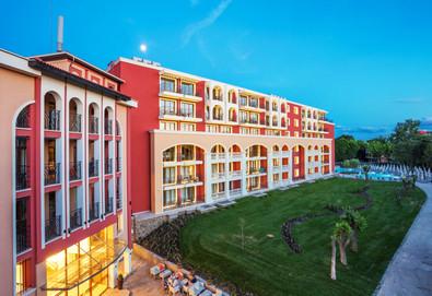 Ранни записвания за почивка в Хотел Феста Виа Понтика 4*, Поморие! 3 нощувки на база Ultra All Inclusive, ползване на вътрешен, външен басейн и фитнес - Снимка
